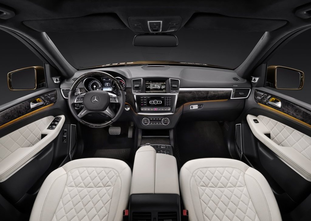 2013 Mercedes Benz GL Class Interior (Photo 9 of 9)
