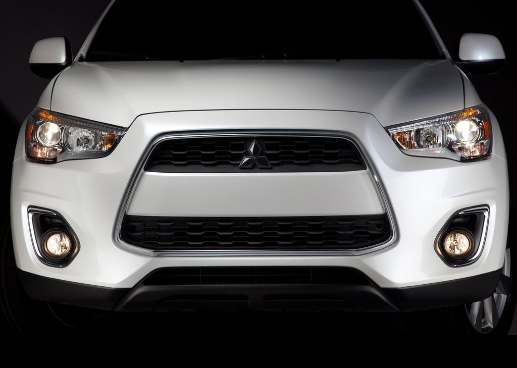 2013 Mitsubishi Outlander Sport Front (View 6 of 7)