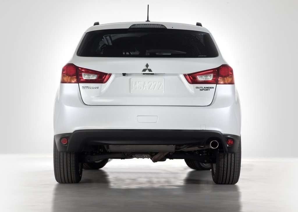 2013 Mitsubishi Outlander Sport Rear (View 2 of 7)