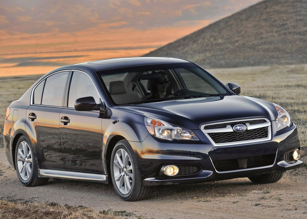 2013 Subaru Legacy Front Angle (Photo 4 of 8)