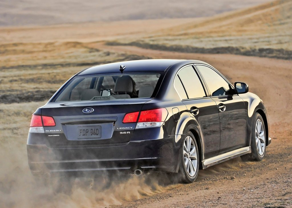 Featured Image of 2013 Subaru Legacy Specs And Price