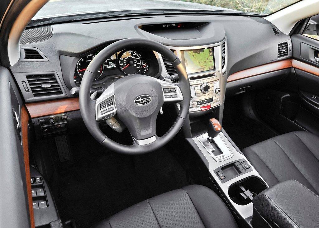 2013 Subaru Outback Interior (View 5 of 9)