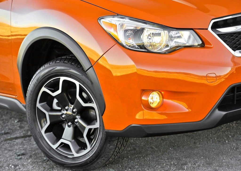 2013 Subaru XV Crosstrek Head Lamp (Photo 3 of 7)