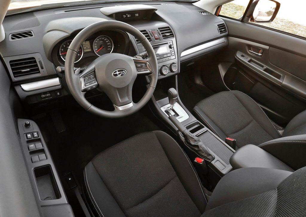 2013 Subaru XV Crosstrek Interior (Photo 4 of 7)