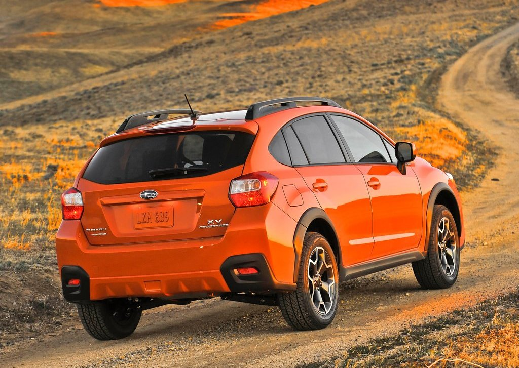 2013 Subaru XV Crosstrek Rear View (Photo 6 of 7)