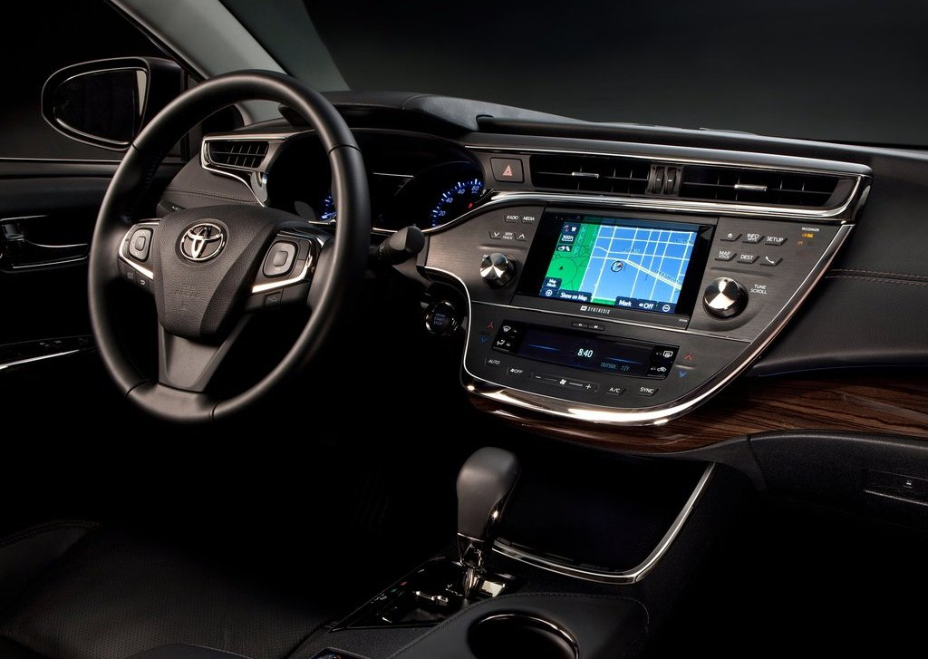 2013 Toyota Avalon Dashboard (Photo 3 of 12)