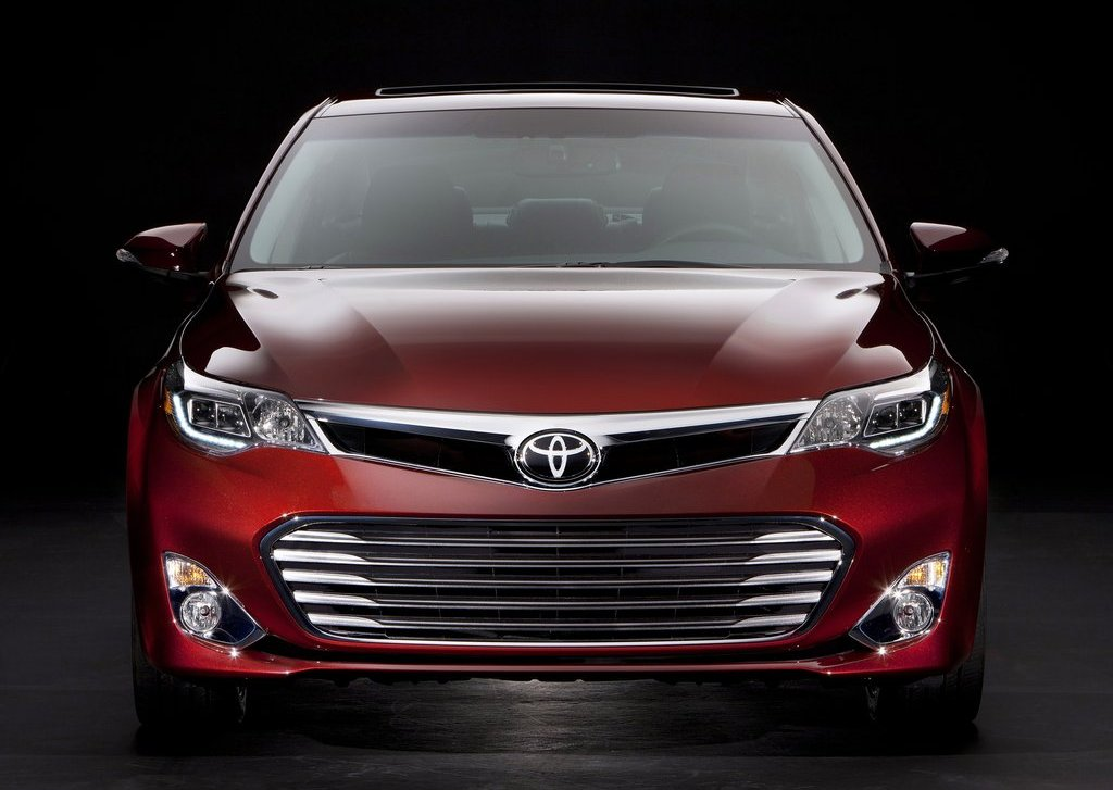 2013 Toyota Avalon Front View (Photo 4 of 12)
