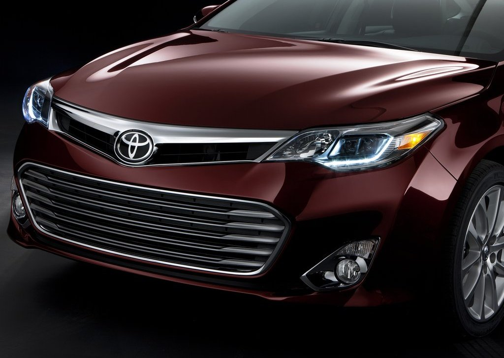 2013 Toyota Avalon Grill (Photo 5 of 12)