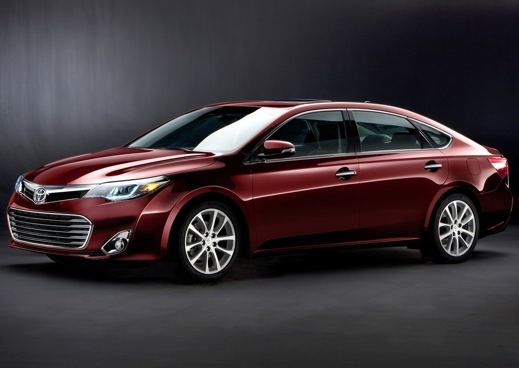 2013 Toyota Avalon (Photo 1 of 12)