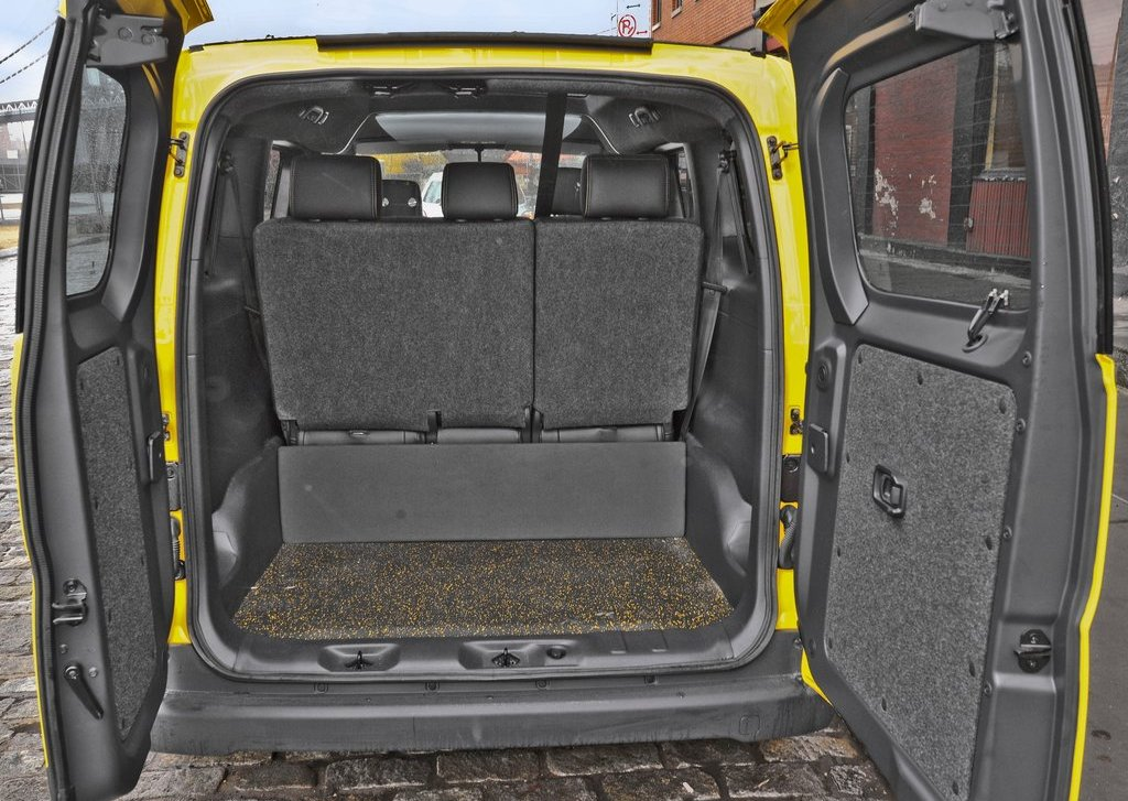 2014 Nissan NV200 Taxi Trunk (Photo 12 of 12)