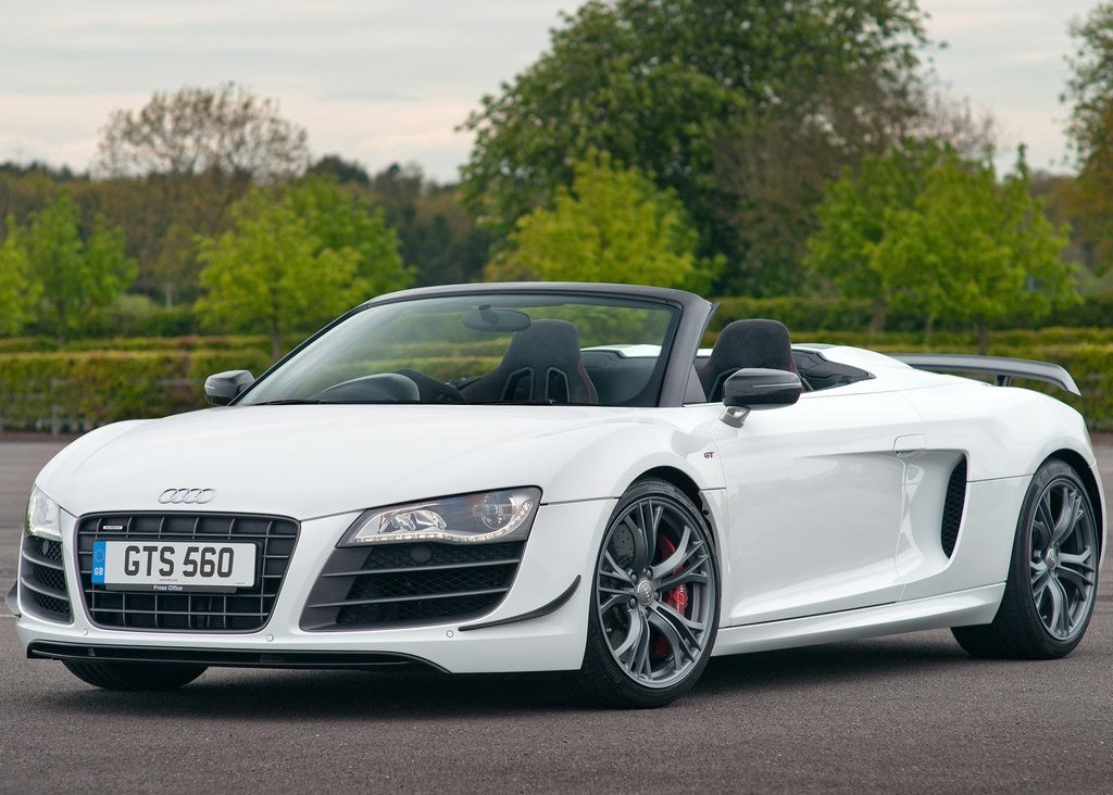 2012 Audi R8 GT Spyder Front Angle (Photo 8 of 24)