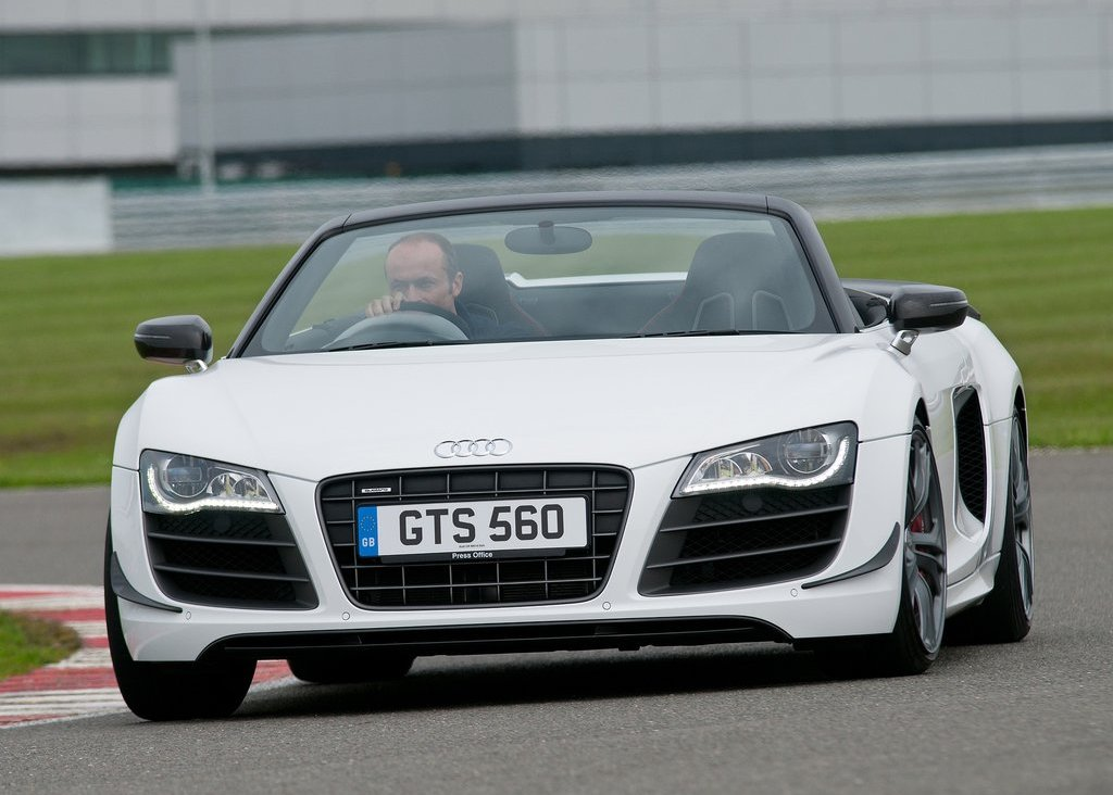 2012 Audi R8 GT Spyder Front (Photo 9 of 24)