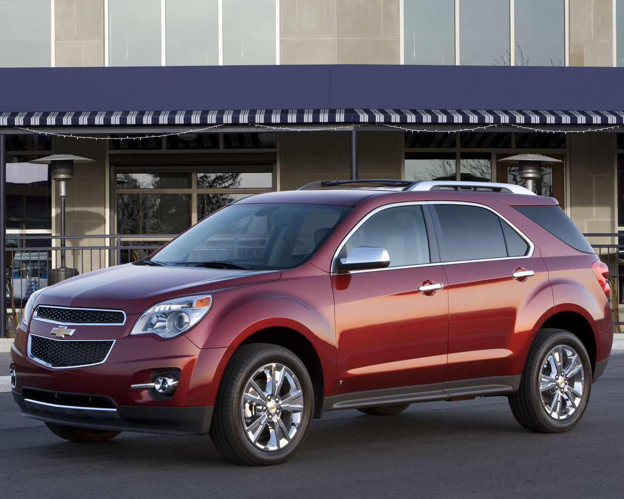 2012 Chevrolet Equinox Front Angle (View 1 of 6)