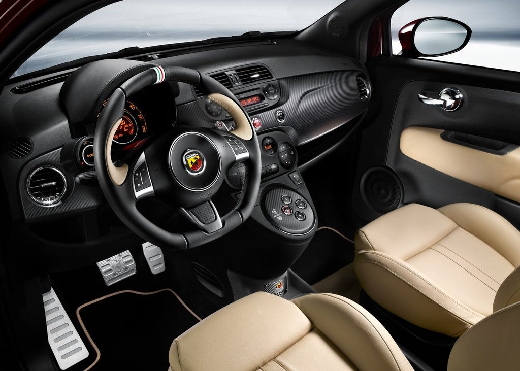 2012 Fiat 695 Abarth Maserati Edition Interior (Photo 3 of 6)