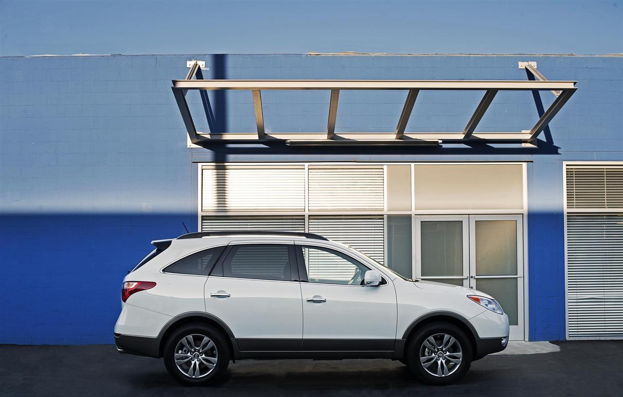 2012 Hyundai Veracruz Right Side (View 14 of 19)