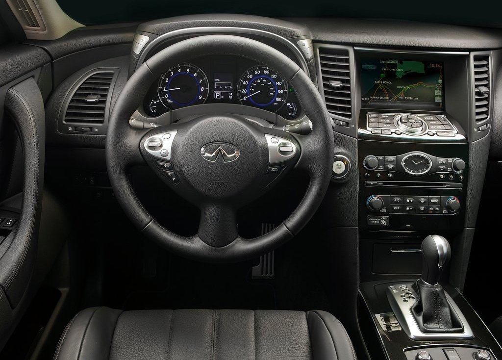 2012 Infiniti FX Interior (Photo 5 of 11)