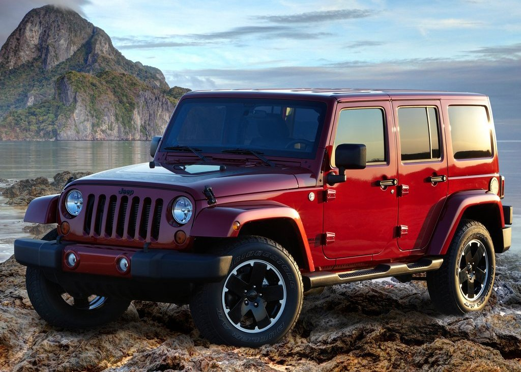 Featured Image of 2012 Jeep Wrangler Unlimited Altitude Review