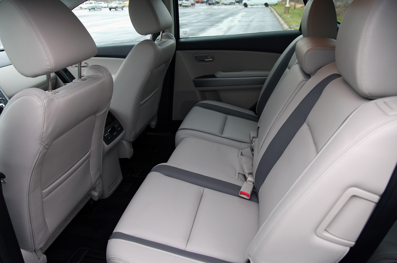 2012 MAZDA CX 9 Back Seat (Photo 2 of 21)