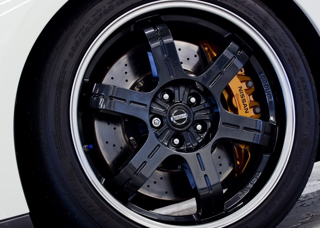 2012 Nissan GT R Track Pack Wheels (Photo 10 of 10)