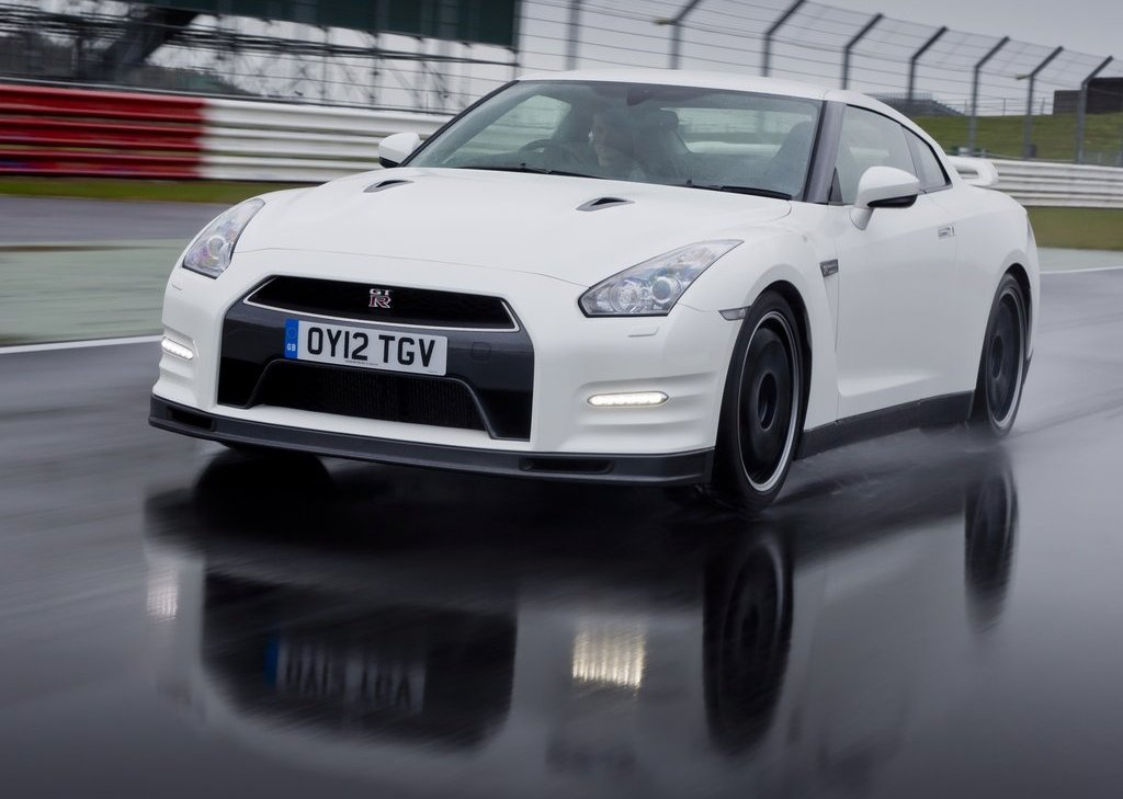2012 Nissan GT R Track Pack (Photo 1 of 10)
