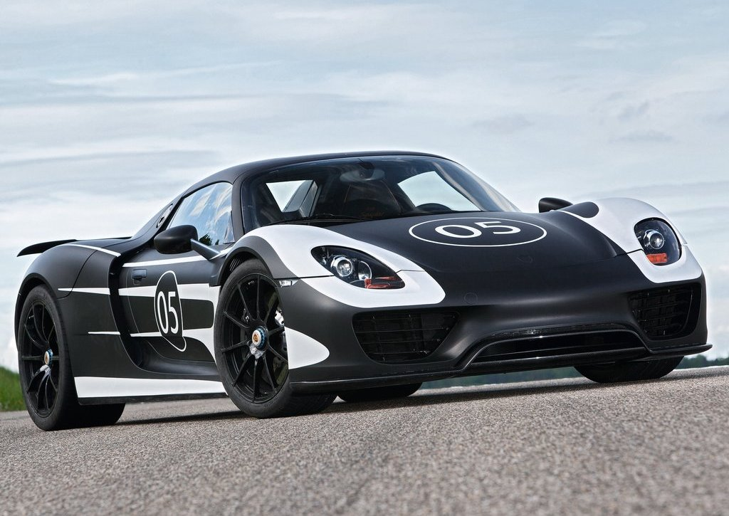2012 Porsche 918 Spyder Prototype Front (Photo 2 of 6)