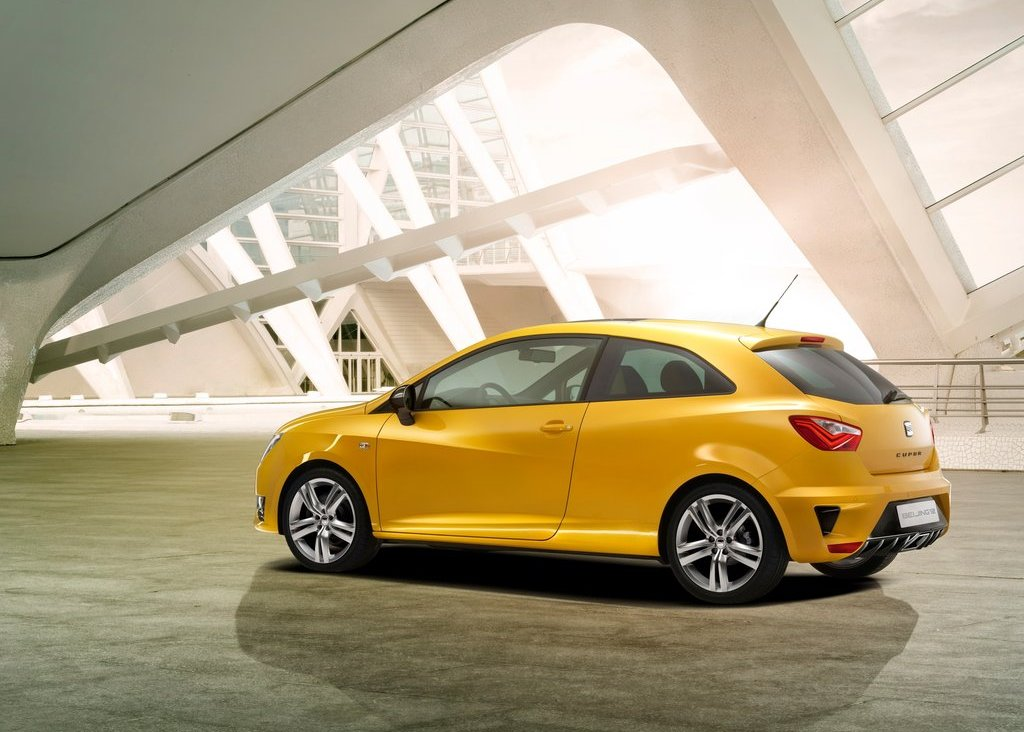 2012 Seat Ibiza Cupra Rear Angle (Photo 5 of 8)