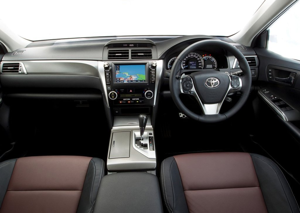 2012 Toyota Aurion Interior (Photo 11 of 25)