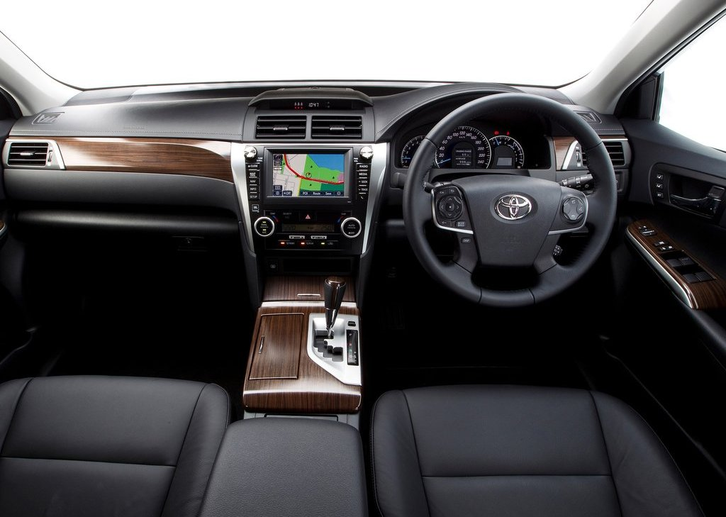2012 Toyota Aurion Interior (Photo 12 of 25)