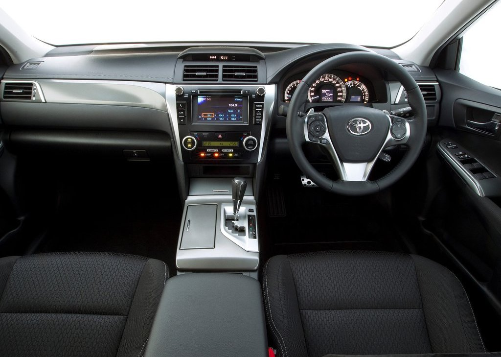 2012 Toyota Aurion Interior (Photo 17 of 25)
