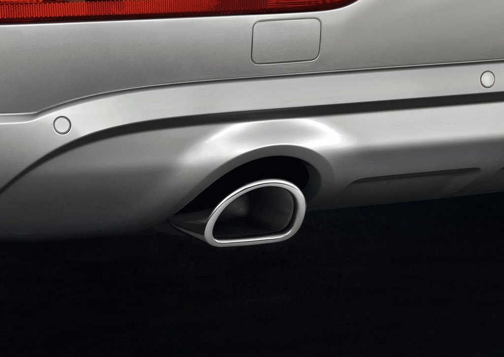 2013 Audi Q5 Exhaust (Photo 4 of 20)