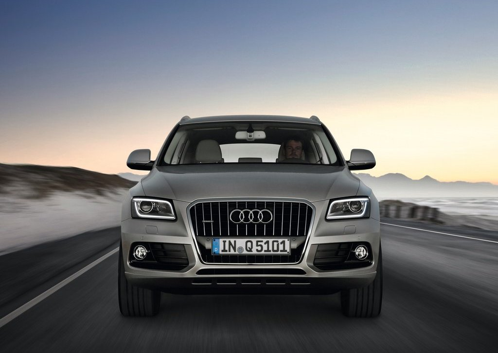 2013 Audi Q5 Front (Photo 6 of 20)