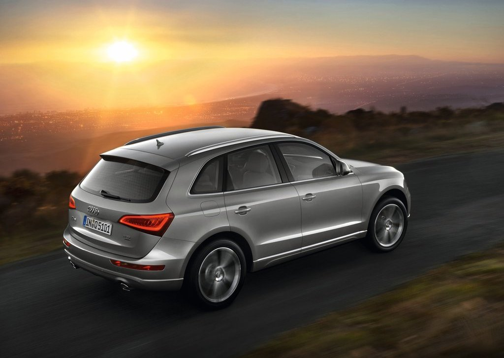 2013 Audi Q5 Top View (Photo 18 of 20)
