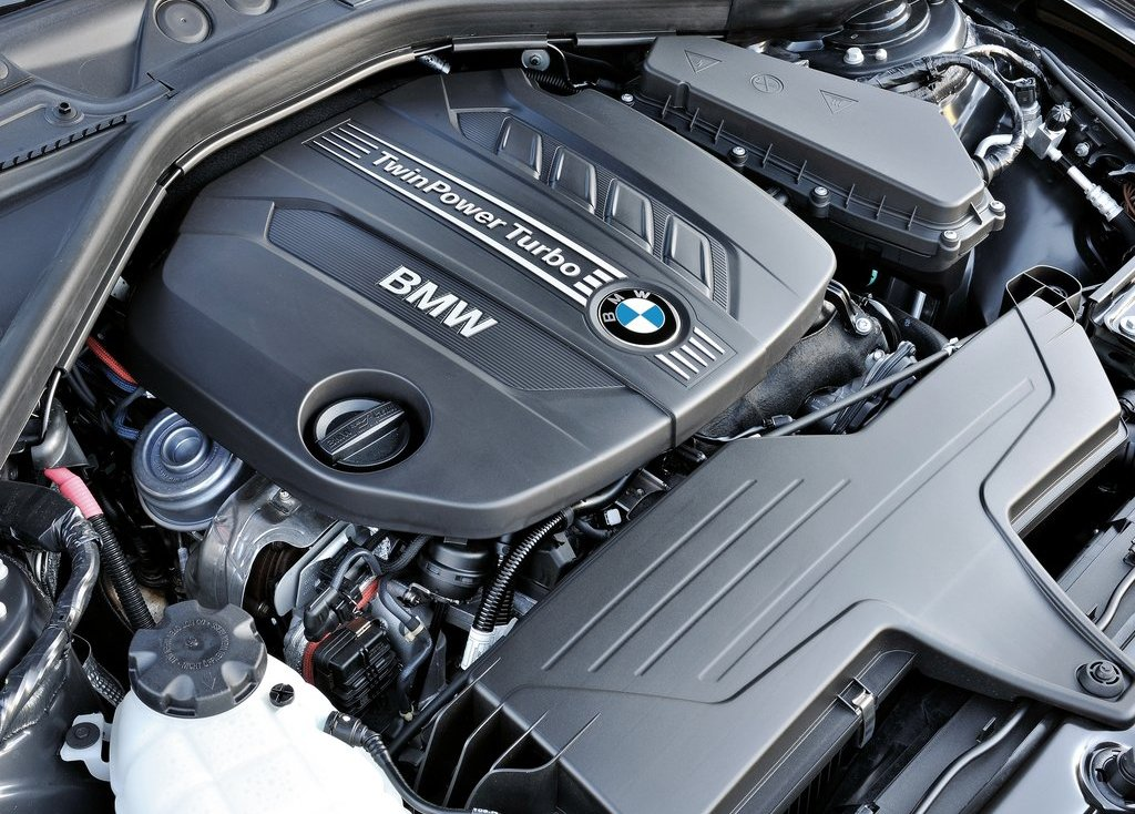 2013 BMW 1 Series 3 Door Engine (Photo 1 of 7)