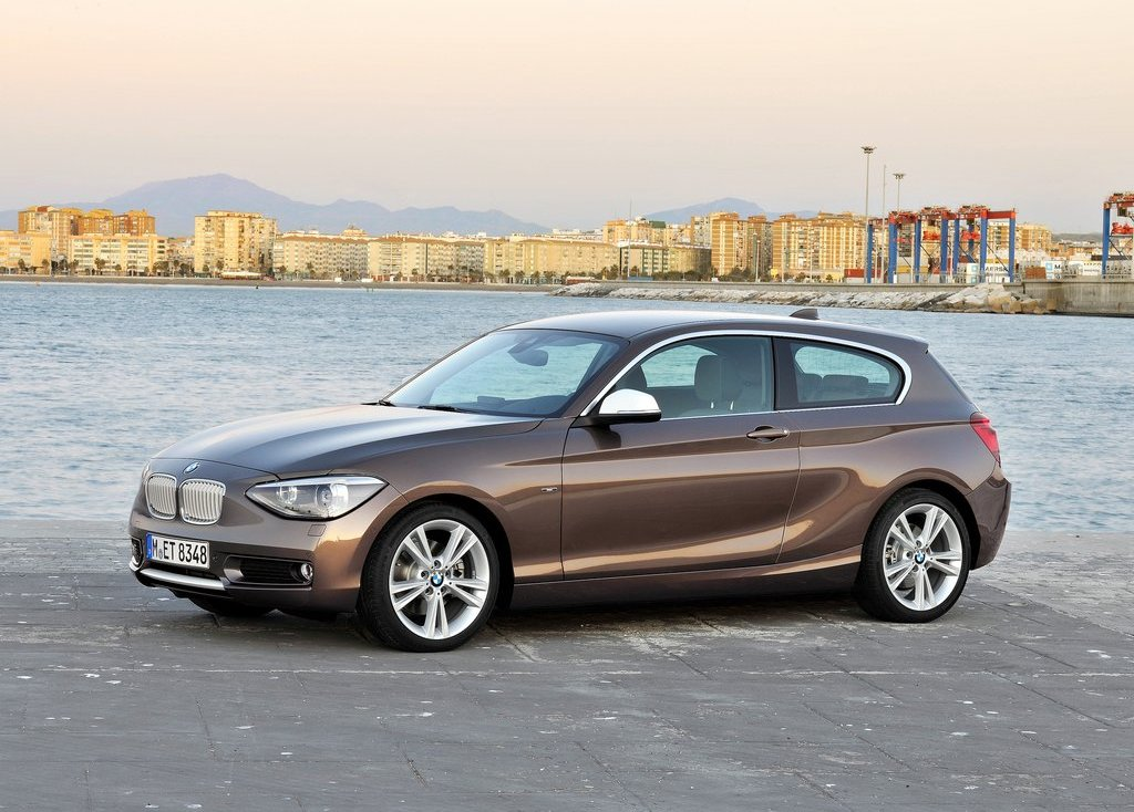 2013 BMW 1 Series 3 Door Front Angle (Photo 2 of 7)