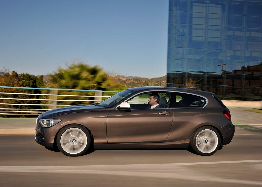 2013 BMW 1 Series 3 Door Left Side (Photo 4 of 7)
