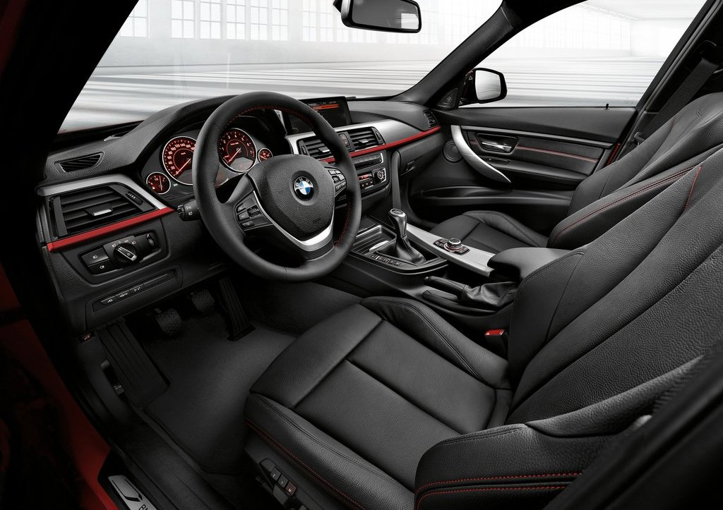2013 BMW 3 Series Touring Interior (Photo 4 of 13)