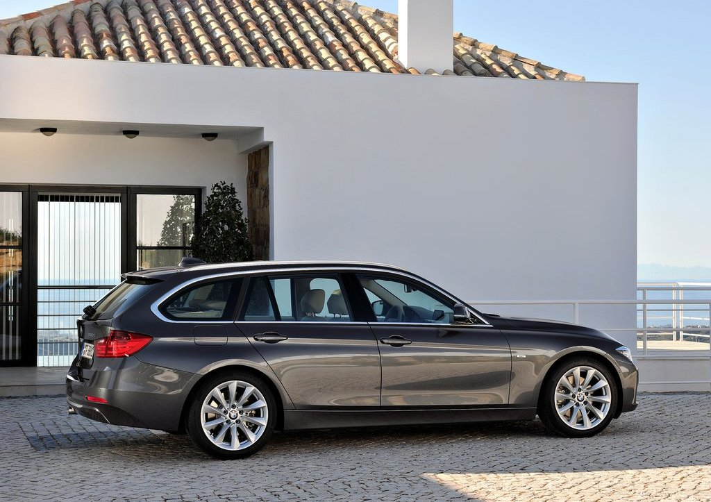 2013 BMW 3 Series Touring Right Side (Photo 10 of 13)