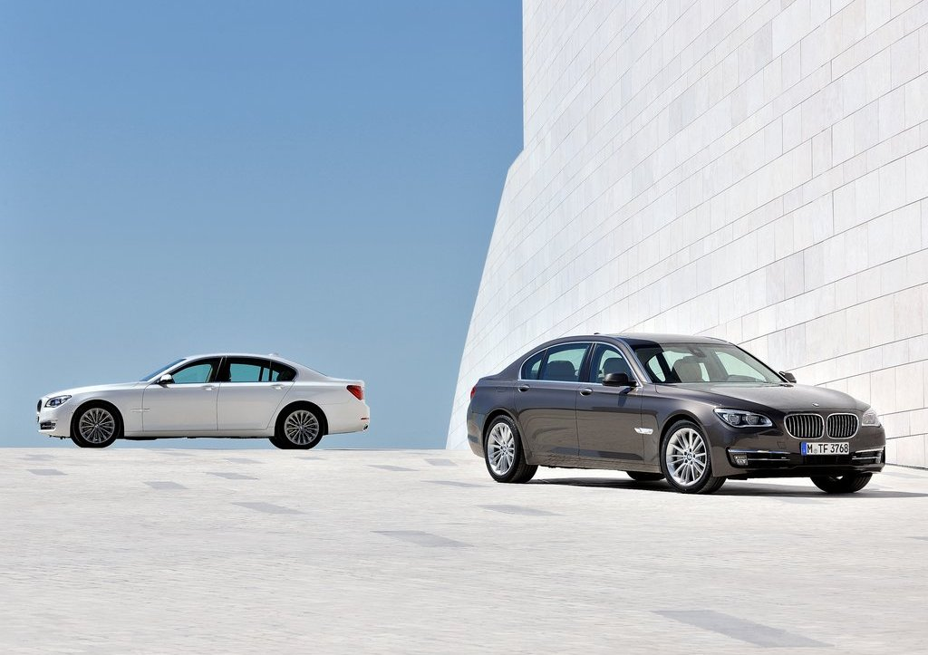 2013 BMW 7 Series All (Photo 2 of 18)