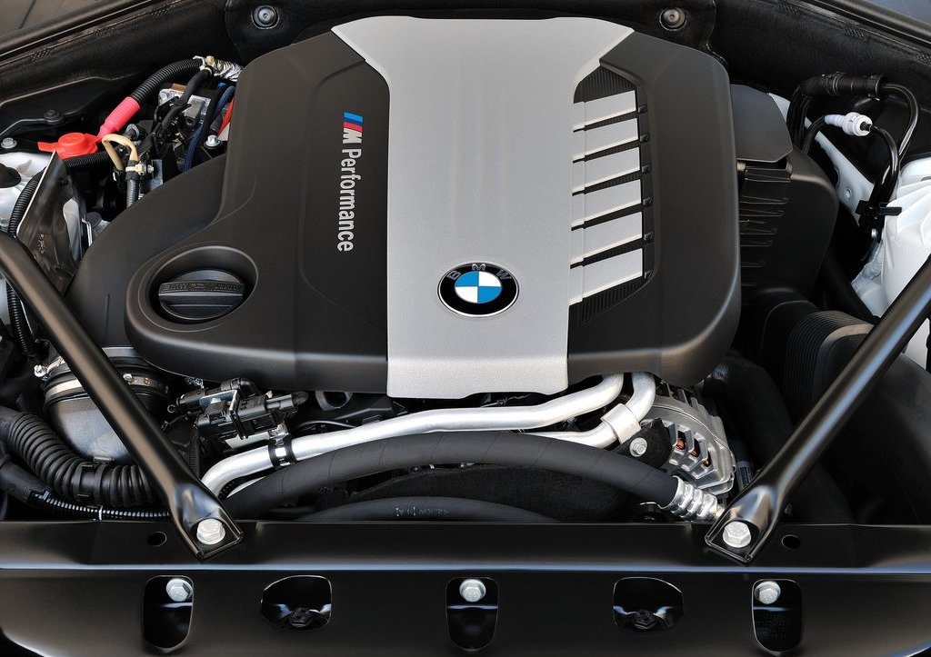 2013 BMW 7 Series Engine (Photo 3 of 18)