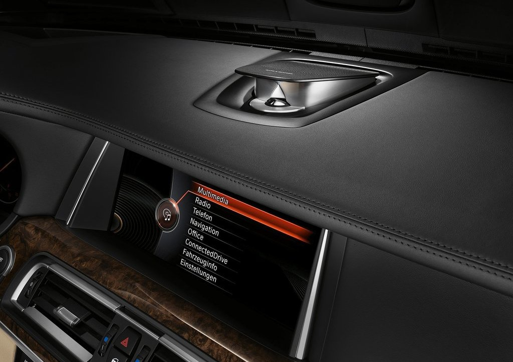 2013 BMW 7 Series Navigation Screen (Photo 9 of 18)