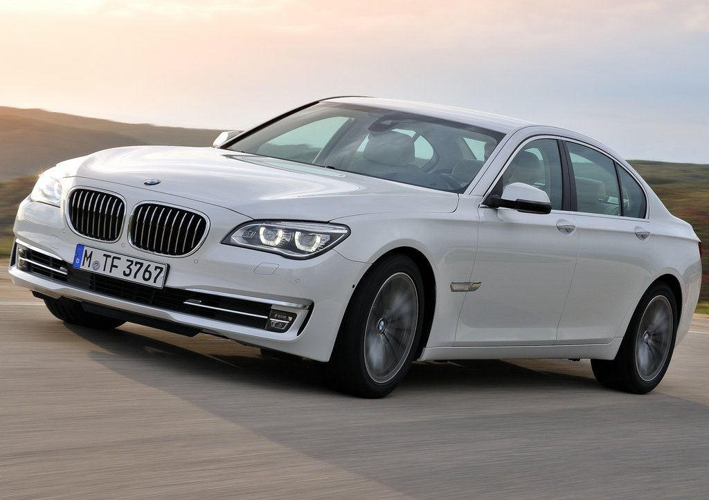 Featured Image of 2013 BMW 7 Series Review