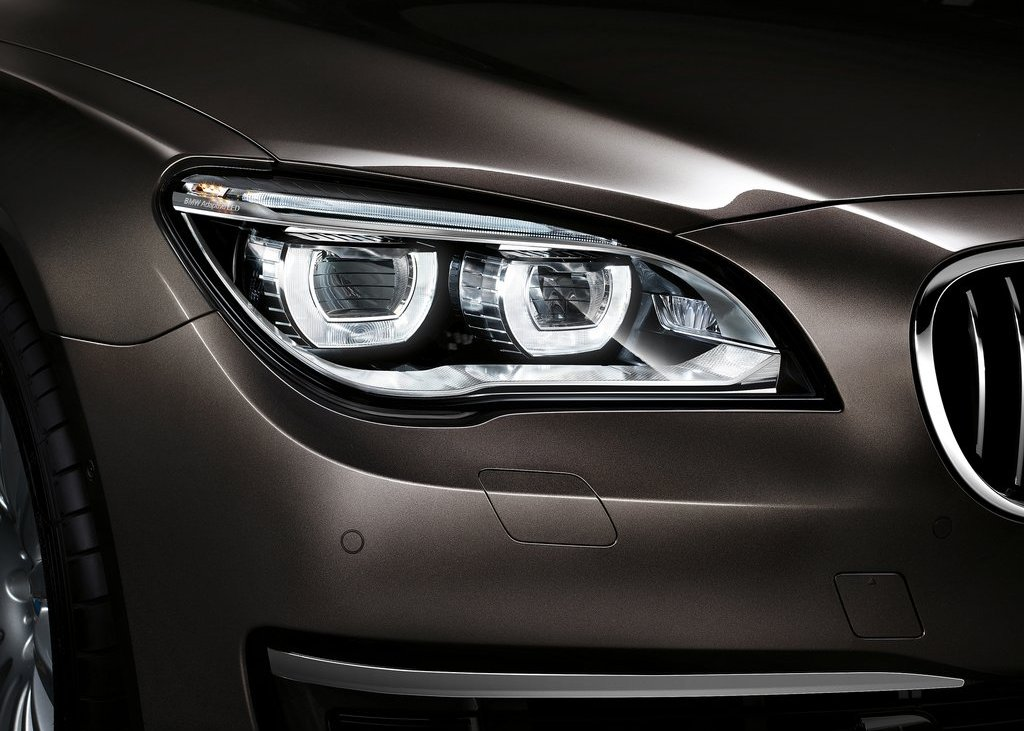 2013 BMW 750Li Head Lamp (View 17 of 18)
