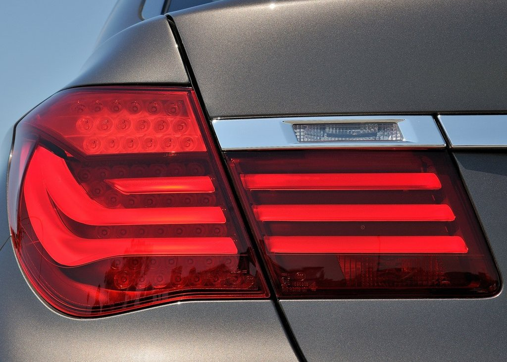 2013 BMW 750Li Tail Lamp (View 8 of 18)
