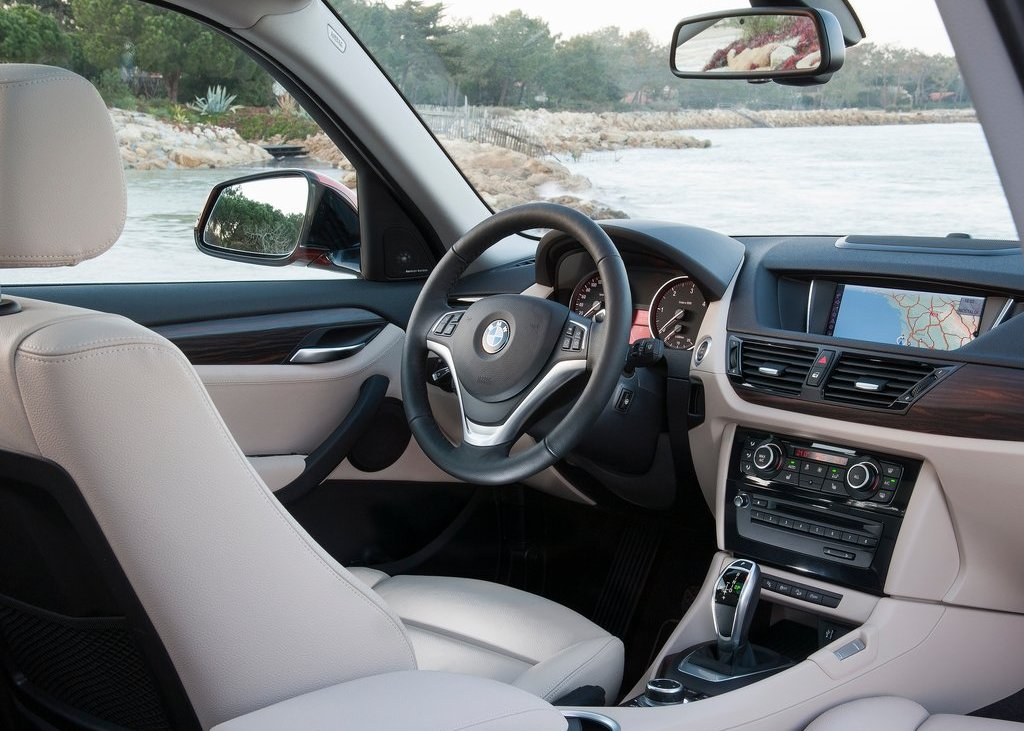 2013 BMW X1 Interior (View 8 of 25)