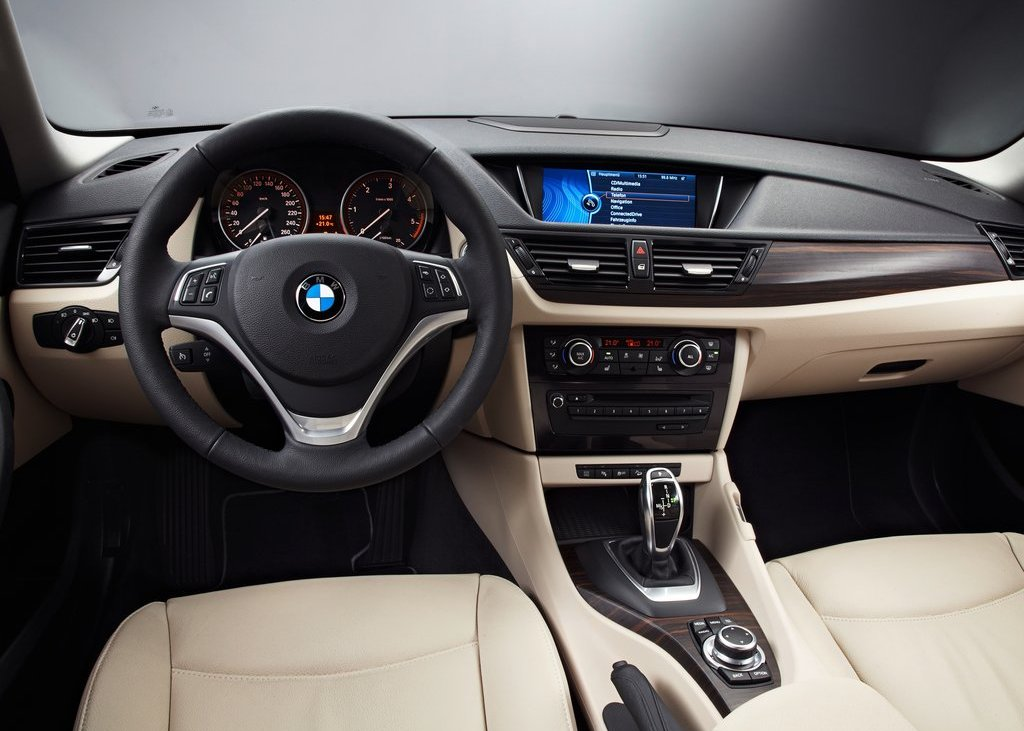 2013 BMW X1 Interior (View 9 of 25)