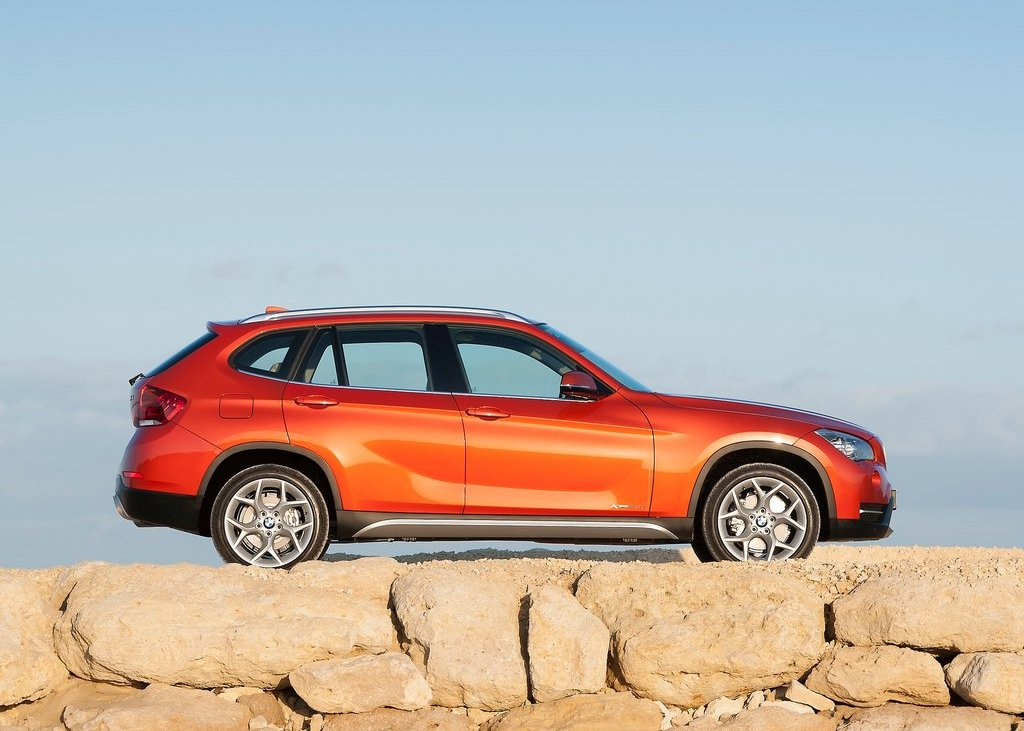 2013 BMW X1 Right Side (Photo 19 of 25)