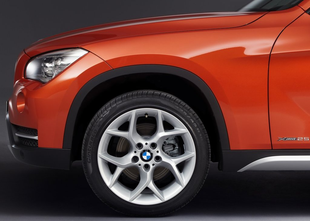 2013 BMW X1 Wheels (Photo 24 of 25)