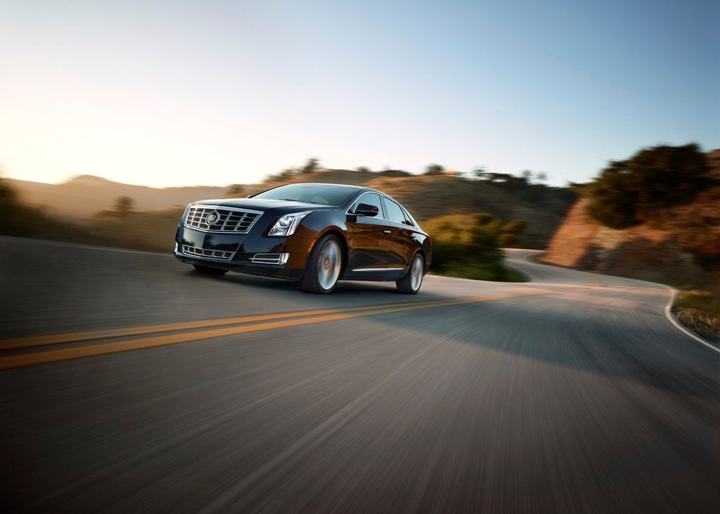 2013 Cadillac XTS (Photo 2 of 15)