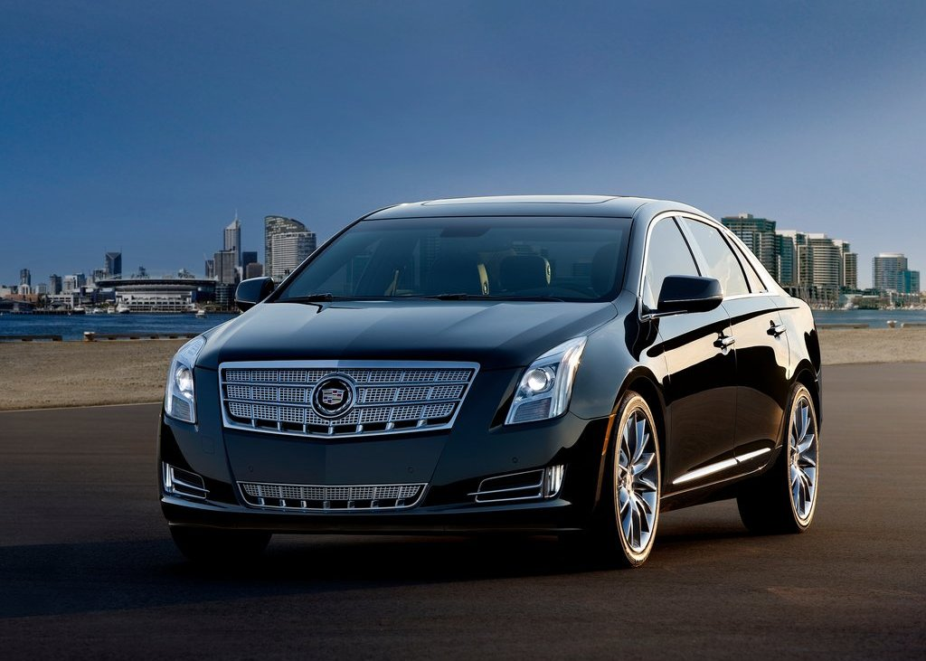 2013 Cadillac XTS Black (Photo 4 of 15)