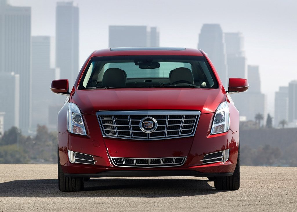 2013 Cadillac XTS Front (Photo 6 of 15)